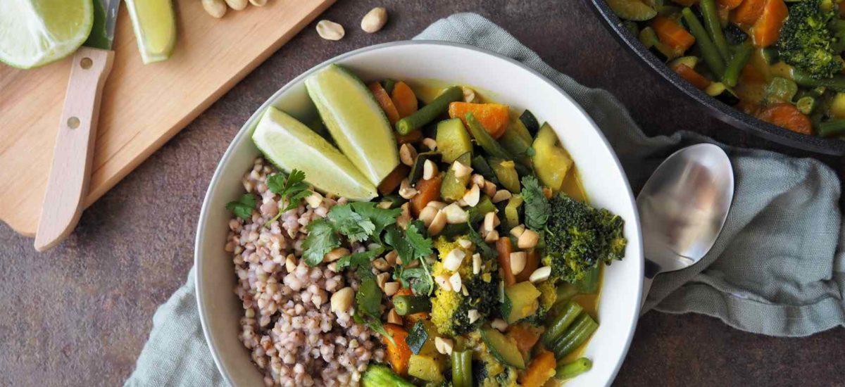 Buntes Gemüse-Curry mit Buchweizen