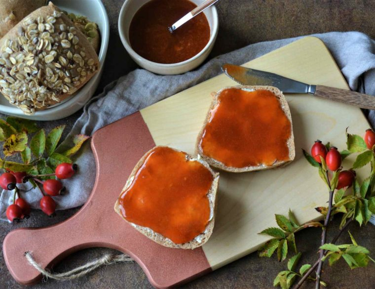 Hagebutten-Apfel-Konfitüre – Superfood vom Wegesrand