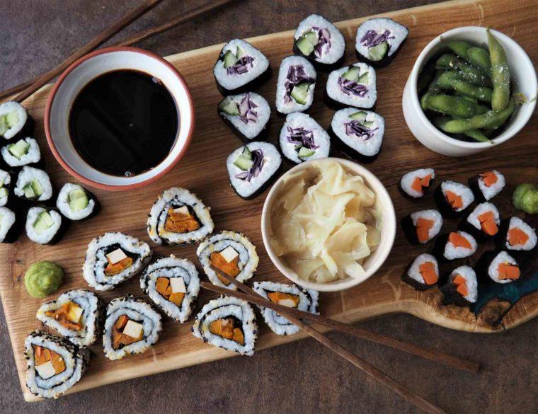 Veganes Sushi selber machen – Verschiedene, bunte Sorten