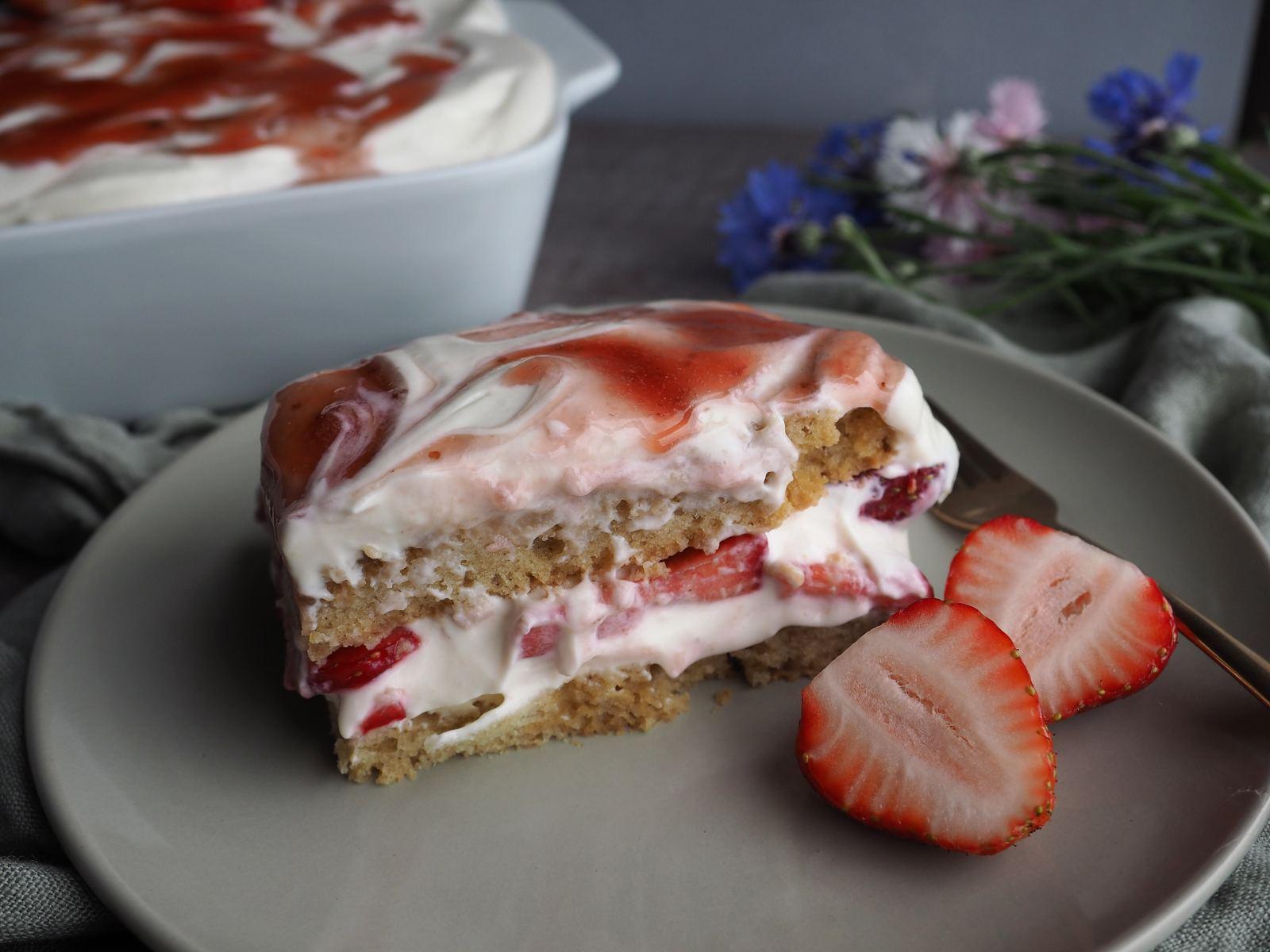 Veganes Erdbeer-Tiramisu ohne Löffelbiskuits Anschnitt