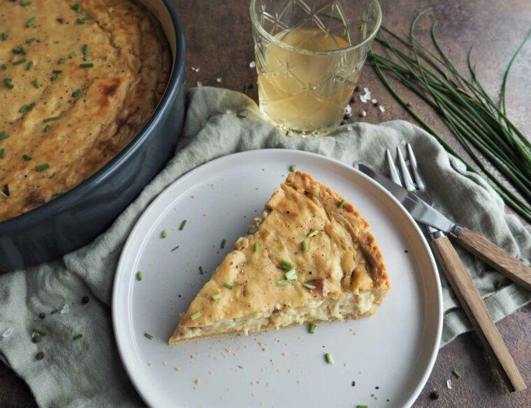 Veganer Zwiebelkuchen mit Mürbeteig